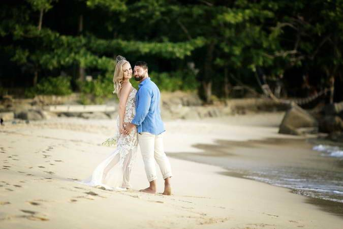 Wedding organizer and honeymoon photography package