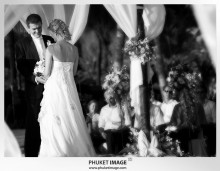 Phuket wedding photographer   on the beach 0009 220x171 Bianca & Frank : Phuket beach wedding photography