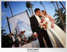 Phuket wedding photographer   on the beach 0017 220x171 Bianca & Frank : Phuket beach wedding photography