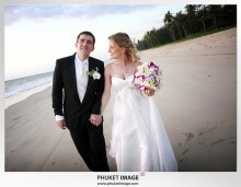 Phuket wedding photographer   on the beach 0023 220x171 Bianca & Frank : Phuket beach wedding photography