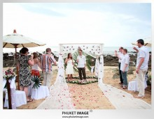 Lanta wedding photo   beach wedding 0024 220x171 Beach wedding in koh Lanta : Moonlight Resort