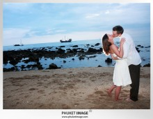 Lanta wedding photo   beach wedding 0041 220x171 Beach wedding in koh Lanta : Moonlight Resort