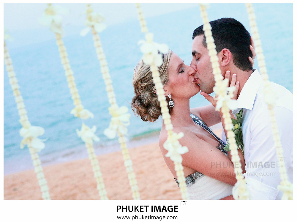 59 Thailand Wedding Photographer 0059 Simon and Christie wedding at Mercure Samui Buri Resort