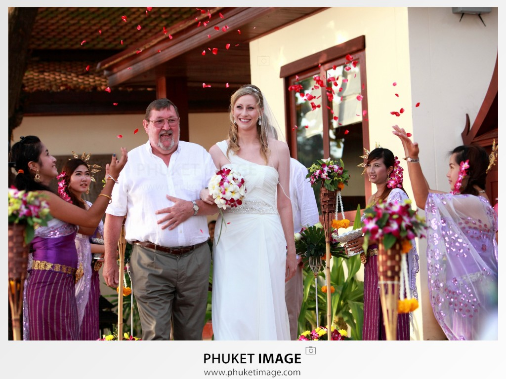 Best wedding photographer in Samui Island, Thailand.