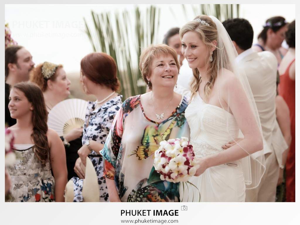 We're wedding photographer based in Phuket available for your destination wedding at : JW Marriott Phuket , Anantara Phuket , Sala Phuket wedding photographer.