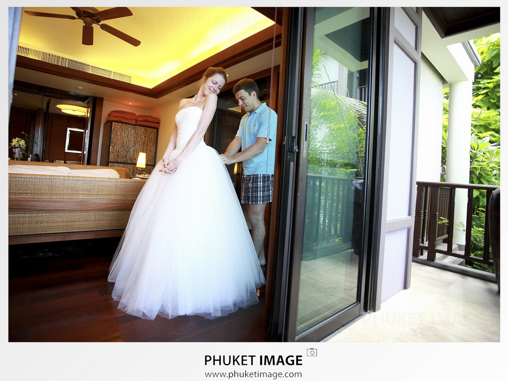Krabi-photographer-for-your-overseas-wedding-at-Centara-Grand-Beach-Resort-Villas-Krabi