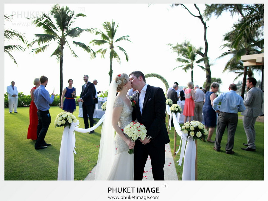 Destination-beach-wedding-photographer-Phuket-Nha Trang 056