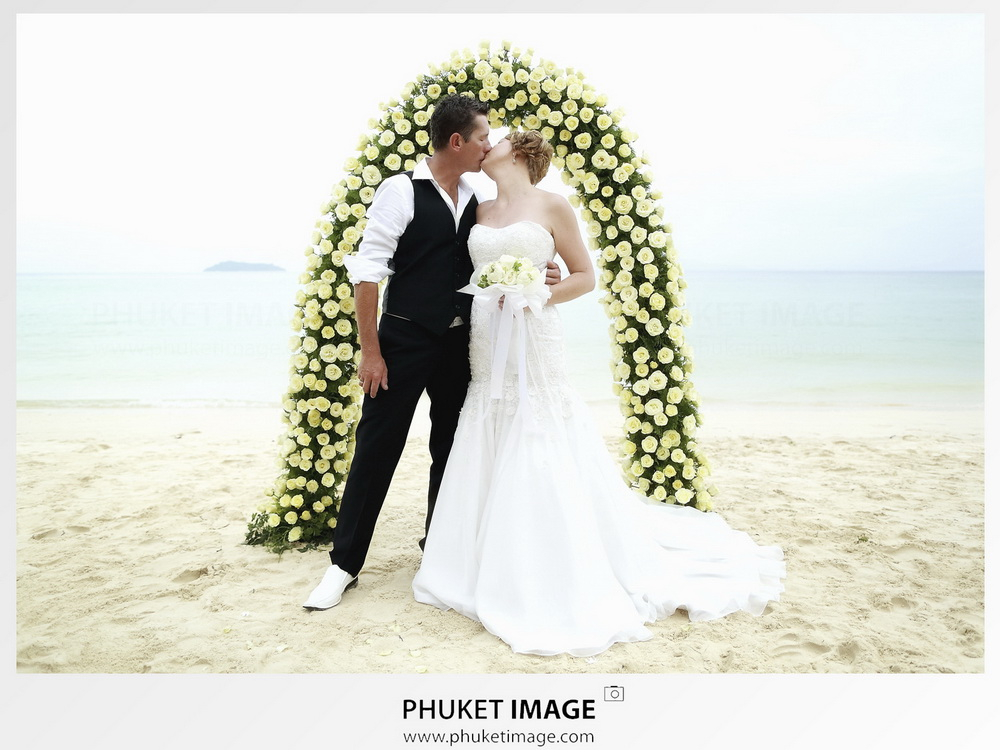 Destination pre-wedding and honeymoon photographer in Krabi
