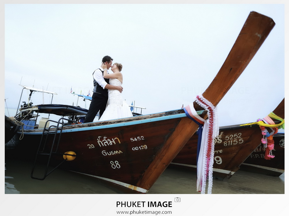 Beach wedding photographer in Phuket