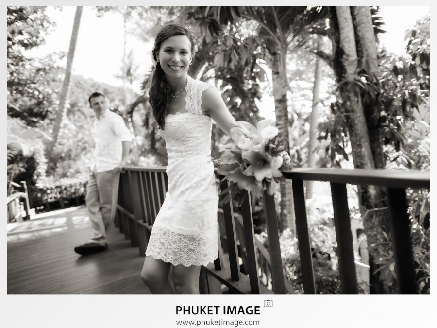 I love images in black and white especially in wedding images.