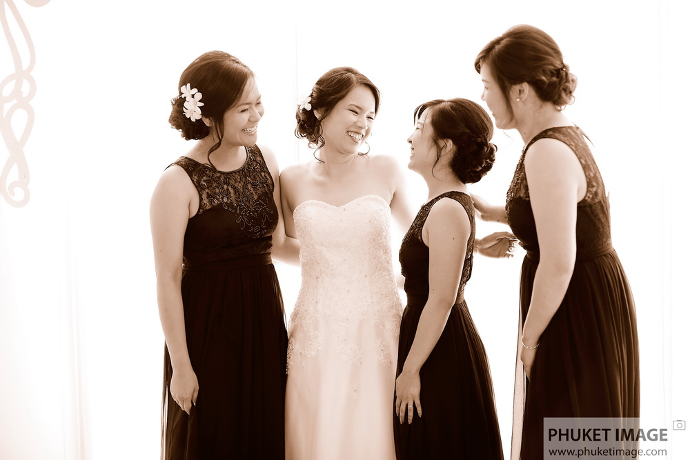 Honeymoon, marriage proposal and wedding photographer in Koh Phuket and Koh Phi Phi