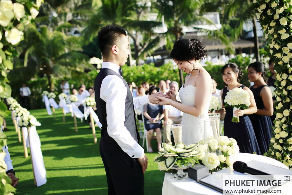 Affordable wedding and honeymoon photographer in Phuket