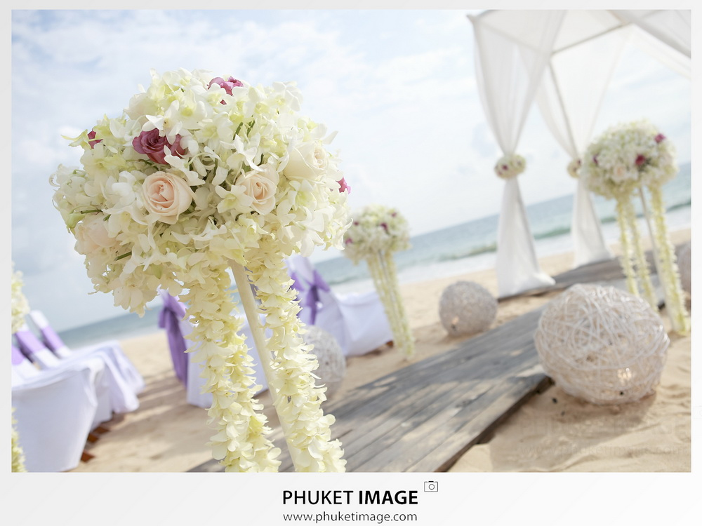 Aleenta-beach-wedding-by-Phuket-photographer