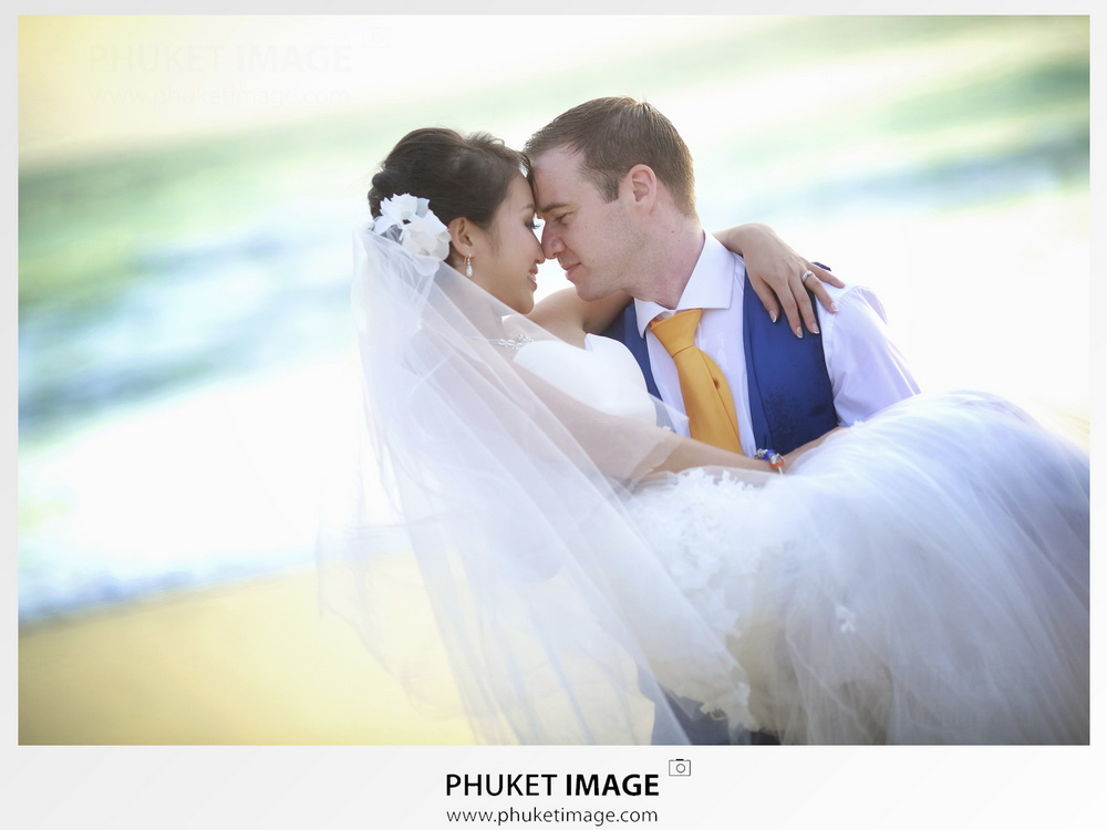 Engagement and wedding ceremony photography service in Phuket, Thailand.